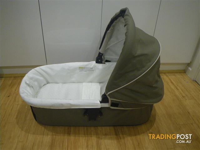 STEELCRAFT STRIDER BASSINET COMPACT CARRYCOT PRAM & CAR ADAPTABLE