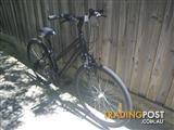 BLACK PROGEAR CX300 BICYCLE 700C TYRE HYBRID BIKE 21 SPEED CYCLING