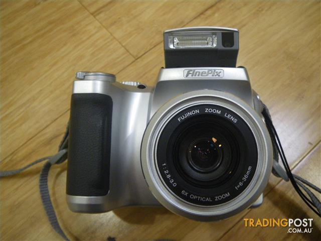 FUJI FINEPIX S3500 ZOOM SLR-SHAPE DIGITAL CAMERA PICTURE & MOVIE CAMERA