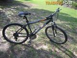 "GIANT BOULDER SE MOUNTAIN BICYCLE 21 SPEED BIKE 26"" TYRES CYCLING 17"" HARDTAIL ALLOY FRAME"