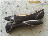 Wittner leather pointed toe flats size 42 with zipper detail