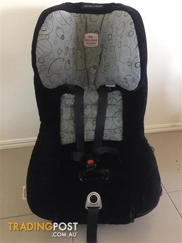 Britax safe and sound Meridian AHD tilt pull and adjust car seat.