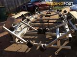 Duel axle boat trailer suit 17 to 20f boat good con heavy dutie