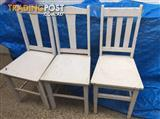 For sell 3 retro chairs  3 white chairs as they are , from the 50s or 60s