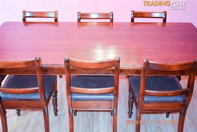 8 Seat Dining Suite