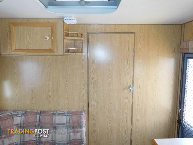 2000  CARAVAN ISLAND STAR CONCORD   CARAVAN