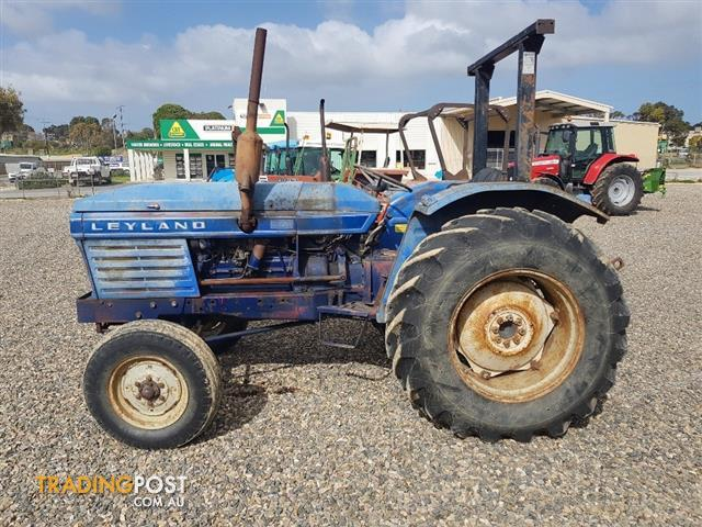 Leyland-255-Tractor-2WD-4990-hours-60HP-Good-running-condition