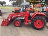 Kubota L2002DT tractor