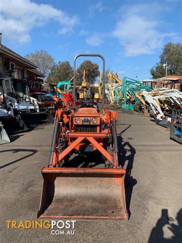 Used Kubota Tractor With Bucket