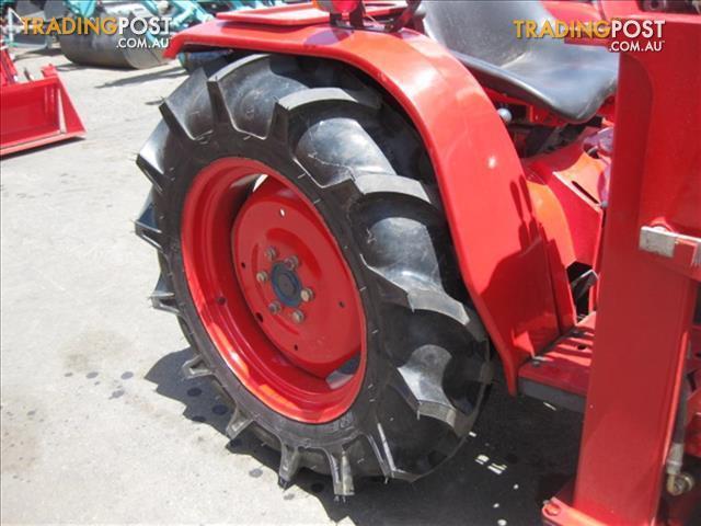 Kubota-B1600-DT-tractor
