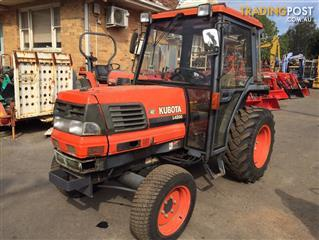 Kubota L4200 D tractor with A/C cabin