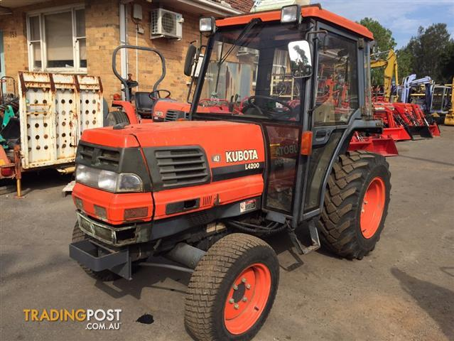 Kubota-L4200-D-tractor-with-A-C-cabin