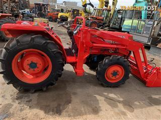 Kubota L1-265 DT tractor