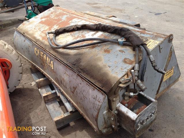 Cleana DIGGA sweeper for skid steer loader
