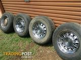 Ford 12 Slot Rims + Tyres