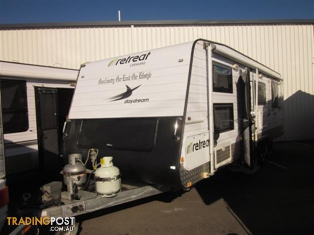 Used 24x79 2011 Retreat Daydream Caravan With Bunks