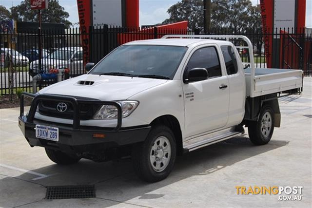 2010 TOYOTA HILUX SR KUN26R CAB CHASSIS
