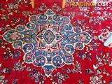 Beautiful handknotted genuine Persian rug from Kashan