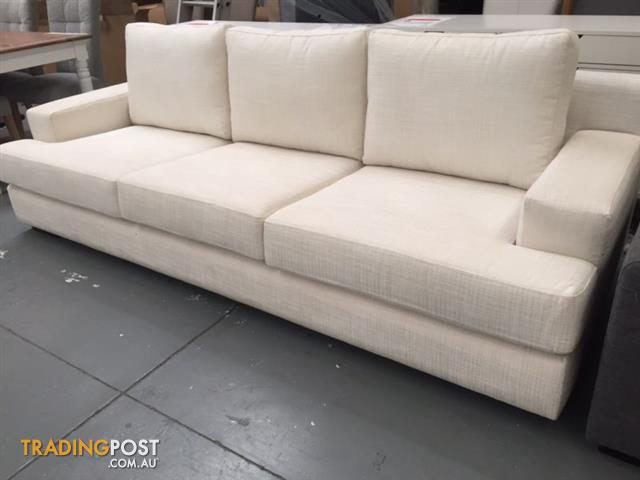 Stunning Large Ex Display Sofa. Stunning Large Ex Display Sofa for sale in Dandenong VIC
