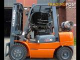 FORKLIFT NEW HELI 2000 SERIES 30. 3 TON CONTAINER ENTRY