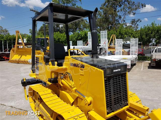 Komatsu-D21A-8-with-Rippers-D21-Dozer-2031-hours