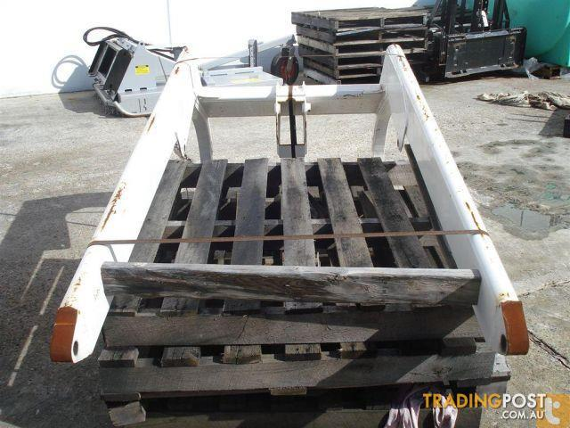 On A Bobcat Lift Arm Parts : Bobcat lifting arms to suit new for sale in