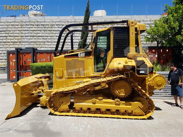 Caterpillar-D5N-XL-Bulldozer-with-Winch