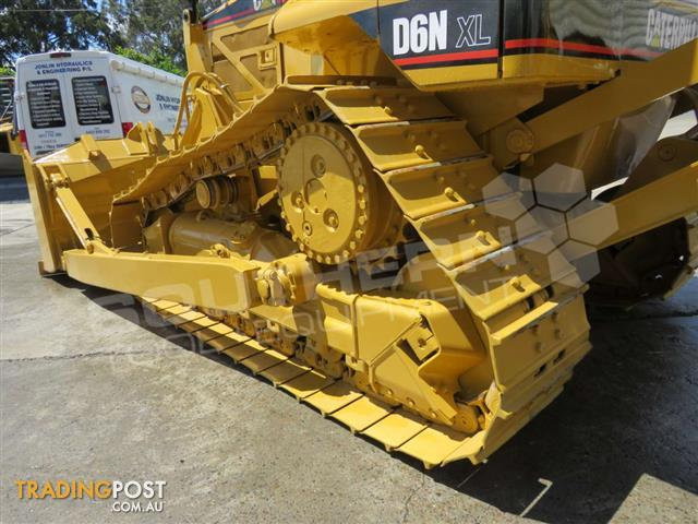 Caterpillar-D6N-XL-SU-Blade-Bulldozer-w-Canopy-Sweeps-2275C