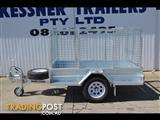 KESSNER TRAILER 7X4 GALVANISED SINGLE AXLE BOX TRAILER WITH BRAKES, CAGE AND RAMPS