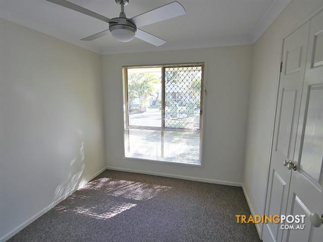8 Roper Place KALLANGUR QLD 4503